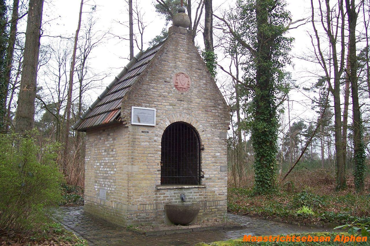 httpwww.kapelleninbrabant.nlKapel 4-11-2008Alphen.Maasstrichtsebaan.JPG
